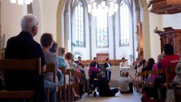 Die Podiumsdiskussion in der reformierten Stadtkirche verlief sehr engagiert - auch politische Seitenhiebe blieben nicht aus. | © Marie-Christine Andres