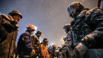 Die Proteste auf dem Maidan eskalierten. Präsident Janukowytsch hatte Befehl gegeben, gewaltsam gegen die Demonstranten vorzugehen. Es gab Tote. | © Klementija Dymyd