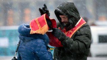 Während der Maidan-Proteste seien die Kirchen fortwährend präsent gewesen, erinnert sich Bischof Bohdan. Und als die Situation eskalierte, hätten die im Zentrum von Kiew gelegenen Klöster die Glocken läuten lassen, die Demonstranten vor der Polizei geschützt und ihnen in den Kirchenräumen Unterschlupf gewährt. | © Klementija Dymyd