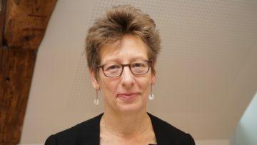 Bildung und Zugang zur Arbeit spielten eine sehr wichtige Rolle, und diese Aufgaben müsse der Staat auch finanzieren, hält Marianne Hochuli von Caritas Schweiz fest. Auch die Unternehmen seien gefragt, Ausbildungs- und Arbeitsplätze zur Verfügung zu stellen. | © Georges Scherrer