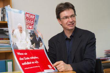 Charles Martig, Direktor des Katholischen Medienzentrums, bei der Präsentation der Good News-Kampagne. Diese wurde von 2010-2017 gefahren. | zvg