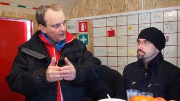 Seitens der Gemeinde Suhr schätzt man das Angebot der Caritas. Gemeinderat Daniel Rüetschi (rechts im Bild): «Jedes Angebot ist zu begrüssen, dass den Heimeintritt bei älteren Menschen hinauszögert.» | © Andreas C. Müller