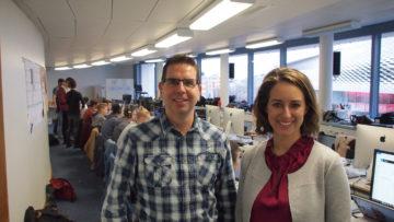 Daniel Stähli (Medienverantwortlicher) und Laura Jacober im Newsroom des Camps. Eine Vielzahl ehrenamtlicher Helfer unterstützt das Camp bei der internen und externen Kommunikation. | © Andreas C. Müller