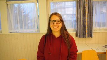 Will auf dem Jakobsweg Abstand von zuhause gewinnen: Die 16-jährige Adriana aus Möhlin. | © Andreas C. Müller