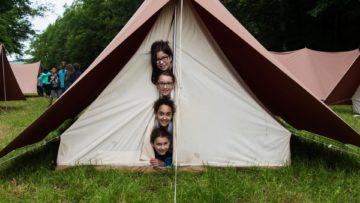 Auch für sie sind die Feiertage wertvoll: Jugendorganisationen wie Jungwacht Blauring und die Pfadi nutzen das verlängerte Pfingstwochenende für ein Pfingstlager.   © zvg