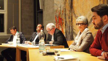 Auch dieses Jahr gibt es zum Abschluss der Veranstlatungsreihe wieder ein Polit-Podium. 2017 waren dabei: Cédric Wermuth, Maya Bally-Frehner, Gerhard Pfister und Thomas Burgherr (von rechts nach links). | © Andreas C. Müller