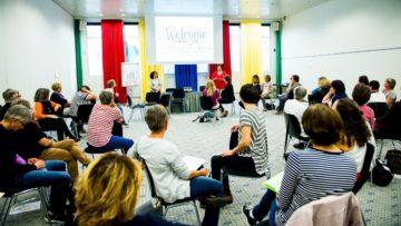 Eine der vielen Aktivitäten des Schweizerischen Katholischen Frauenbunds: Workshop zum Engagement für Flüchtlinge. | © SKF