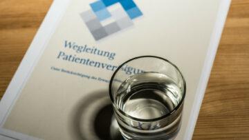 Bereits über 1000 Personen in der Schweiz sind an den Folgen einer Covid-19-Erkrankung verstorben. Die Aargauer Spitalseelsorgenden werden immer wieder auch zu Sterbenden gerufen. | © Werner Rolli