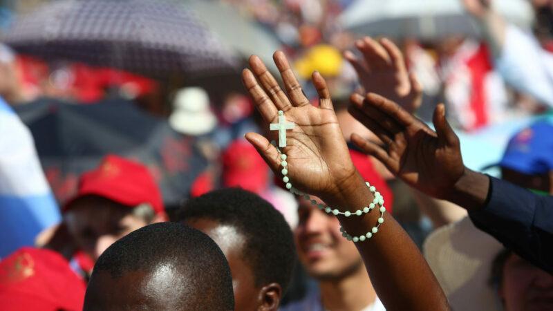 Millionen gläubiger Menschen weltweit können nicht darüber hinwegtäuschen, dass die Zahl der Konfessionslosen in der Schweiz stetig steigt. | © Stefano Dal Pozzolo/Romano Siciliani/KNA