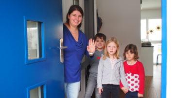 Die Gastfamilien (im Bild die Köchlis in Erlinsbach) wissen bis zur Ankunft der Besucherinnen und Besucher jeweils nicht, wen sie bei sich aufnehmen. | © Andreas C. Müller
