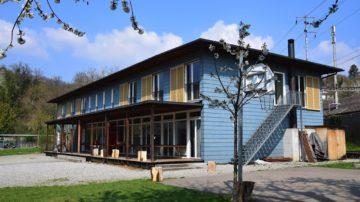 Im an die Villa angrenzenden Nebengebäude befinden sich Aufenthalts- und Schlafräume für 67 Personen. | zvg