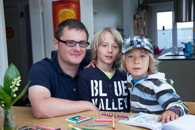 Daniel Sommerhalder mit seinen Söhnen. | © Roger Wehrli