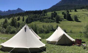 Die Leiterinnen und Leiter übernachten im Zelt neben dem Lagerhaus. | © Marie-Christine Andres