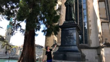 Herausforderung Querformat: «Ja, wenn der Kopf Zwinglis nun abgeschnitten ist, braucht es eben unsere Köpfe», folgert Barbara Müller-Zwygart. | © Marie-Christine Andres