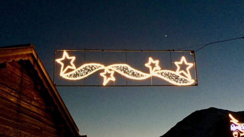 Zu Beginn des neuen Jahres sind Horoskope gefragt – kirchlich gesehen Aberglaube. Doch die Sterndeuter aus dem Morgenland erinnern uns daran: Astrologie, Astronomie und Religion gingen einst Hand in Hand. | © Marie-Christine Andres