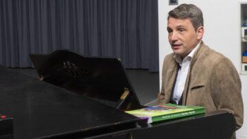 Führte durch den musikalischen Teil der Feier: Dieter Wagner, Leiter der Kirchenmusikschule Aargau {KMSA}. | © Werner Rolli
