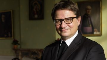 Um die Sonderprivatauszüge und die Privatauszüge aus den Strafregistern für die mit «missio canonica» im Bistum Basel Tätigen ist der Bischof bemüht. | © Werner Rolli