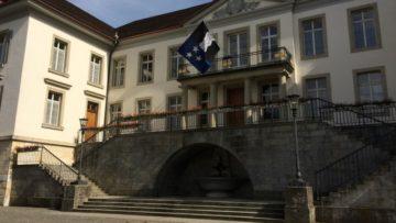 Im Aargau ist die Frage nach dem Sonntagsverkauf am Heiligabend 2017 hinfällig. Die gesetzliche Regelung erlaubt den bewilligungsfreien Sonntagsverkauf am 10. und am 17. Dezember 2017. | © Andreas C. Müller