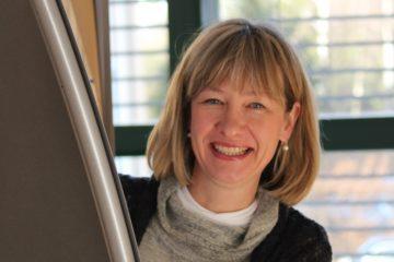 Gunda Brüske ist Co-Leiterin des Liturgischen Institutes der deutschsprachigen Schweiz. Sie führt den Fernkurs Liturgie durch und lässt nicht alle Kritikpunkte am Fernkurs gelten. | © zvg
