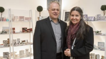 Roland Frey und Evelin Amsler organisieren die Hochzeitsexpo in Lenzburg, die seit sechs Jahren stattfindet. | © Werner Rolli