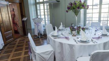Ein schön gedeckter Tisch und Blumenschmuck sind nur ein Aspekt einer Hochzeitsfeier. Zahlreiche Aussteller präsentieren sich an der Hochzeitsexpo. | © Werner Rolli