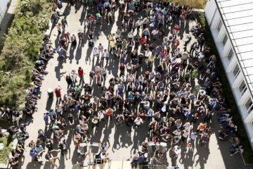 Im Bild das Bistumsjugendtreffen in Olten im Jahr 2012. Zwischen 400 und 500 Jugendliche kommen in der Regel an die Treffen, die den Jugendlichen einen Blick über den regionalen oder kantonalen Tellerrand ermöglichen. | © zvg