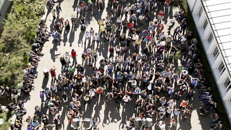 Im Bild das Bistumsjugendtreffen in Olten im Jahr 2012. Zwischen 400 und 500 Jugendliche kommen in der Regel an die Treffen, die den Jugendlichen einen Blick über den regionalen oder kantonalen Tellerrand ermöglichen. Auch aus dem Aargau werden 2017 Jugendliche teilnehmen. Eine ausführliche Vorschau bringt Horizonte übermorgen, 13. September 2017.