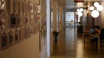 ambulanten Bereich oder daheim ist eine Herausforderung», erklärt Dieter Hermann. Wie diese Herausforderung angegangen werden kann, diskutieren Vertreter verschiedener Organisationen und des Kantons Aargau auf dem Podium in Brugg. © Anne Burgmer