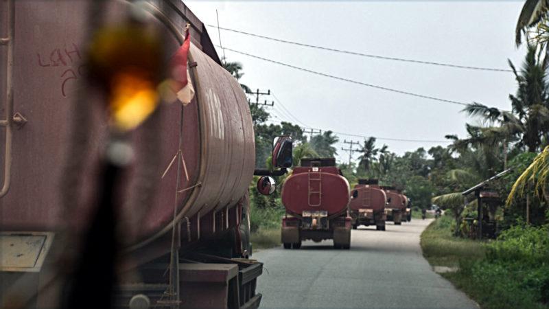 Der Verbrauch von Palmöl in den Industrieländern steht seit Längerem in der Kritik. In der Schweiz mahnen unter anderem die christlichen Hilfswerke wie Fastenopfer eine Reduktion des Palmölverbauchs an. Nun reagieren die Grossverteiler. | © Brot für alle