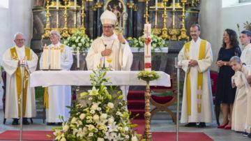 In bekannt kurzer und knapper Form errichtete Felix Gmür in Ausübung seines Amtes als Bischof des Bistums Basel den Pastoralraum. | © Werner Rolli