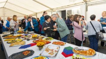 In Festzelt und Vereinssaal gab es Gelegenheit zum Feiern, Austauschen und essen. Es sei eine schöne Feier als Abschluss einer guten Festwoche, hiess es immer wieder. | © Werner Rolli