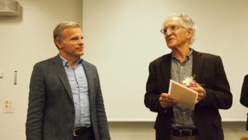 Fast ein schlechtes Gewissen, den Sozialpreis erhalten zu halten: Odo Camponovo (rechts).