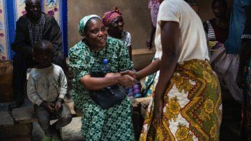 Die Schwester und Anwältin Nathalie Kangaji setzt sich für die betroffenen Menschen vor Ort ein. | © Fastenopfer