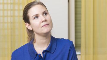 Sabrina Neuhaus, Hebamme am Kantonsspital Aarau. | © Werner Rolli